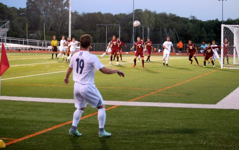 Men's soccer records two weekend wins