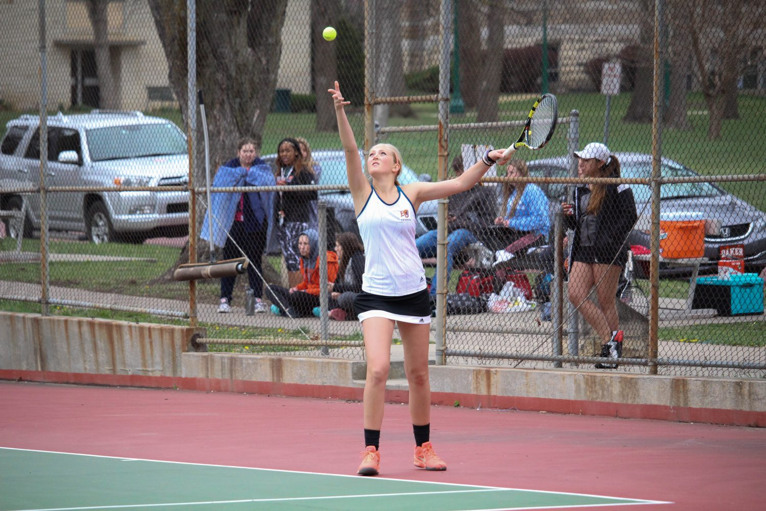 Morgan+Francis+serves+in+Baker%27s+match+against+Ottawa+on+March+28.+Photo+by+Alex+Fortuna.