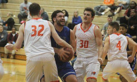 Men's basketball advances to Heart tournament quarterfinals