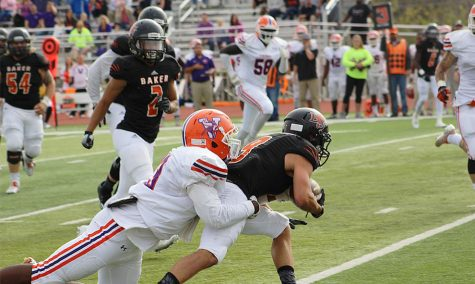 Second-ranked Wildcats score late for 10th-straight win