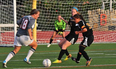 Women's soccer earns 2-0 win against Ottawa