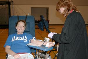 Junior Kayla Anderson plans Baker blood drive