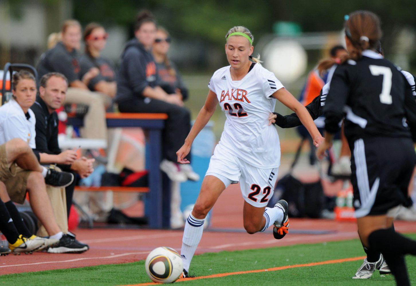 Women's soccer team improves to 5-1