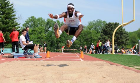 Track and field competes at Ottawa