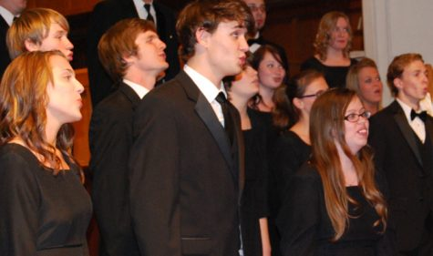 Choir evokes emotion in last concert