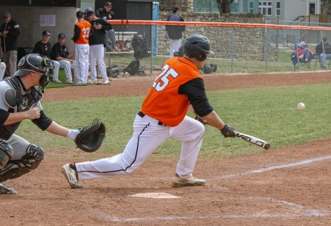 Baseball team opens conference season 3-3