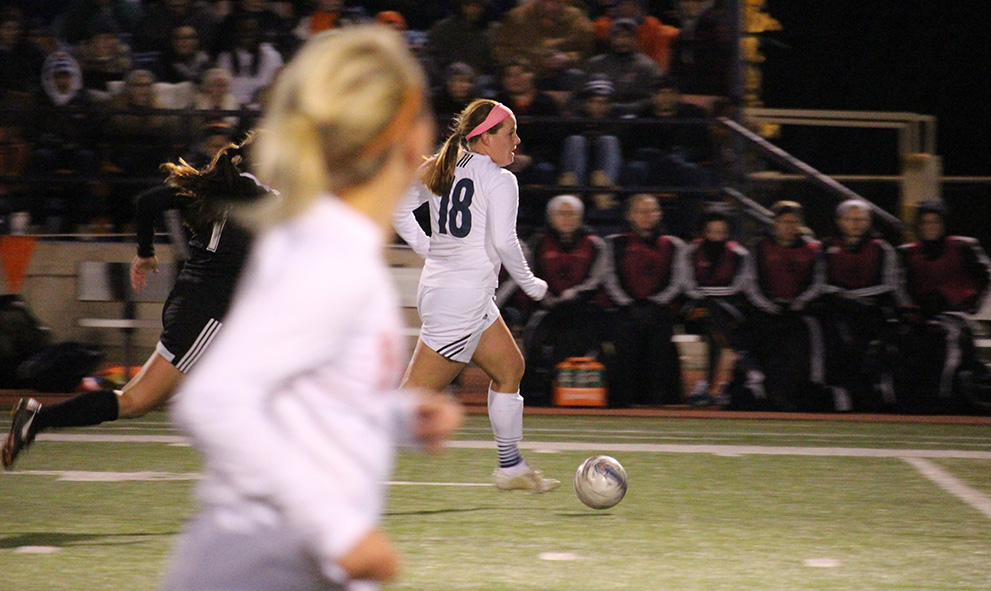 Women's soccer clinches spot at nationals