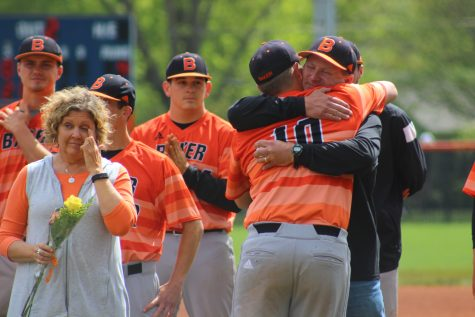 Baseball ends season with senior day split