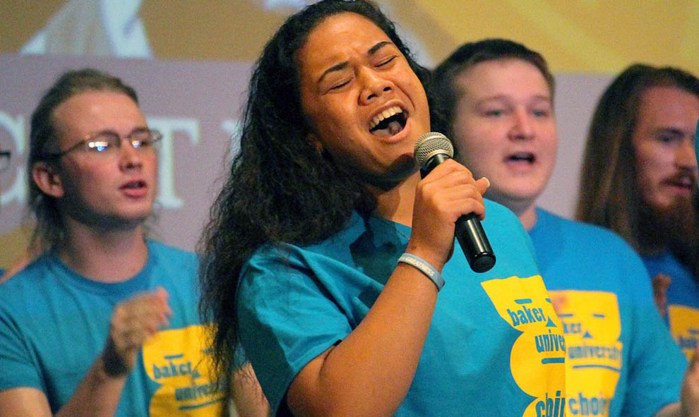 Polynesian freshman finds her place in choir