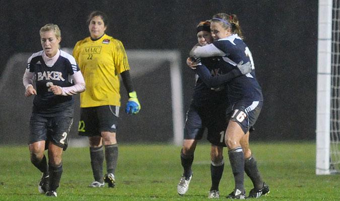 Women's soccer moves on to elite eight
