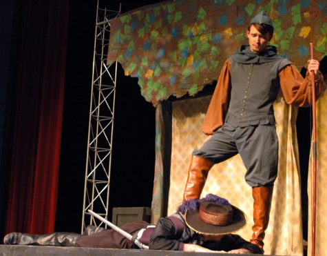 Robin Hood calls for students to interact in production