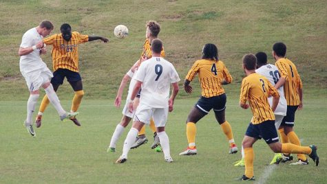 Double overtime ends in tie for men's soccer team