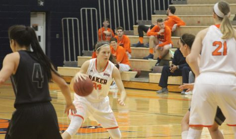 Women's basketball team bounces back in big win against Clarke