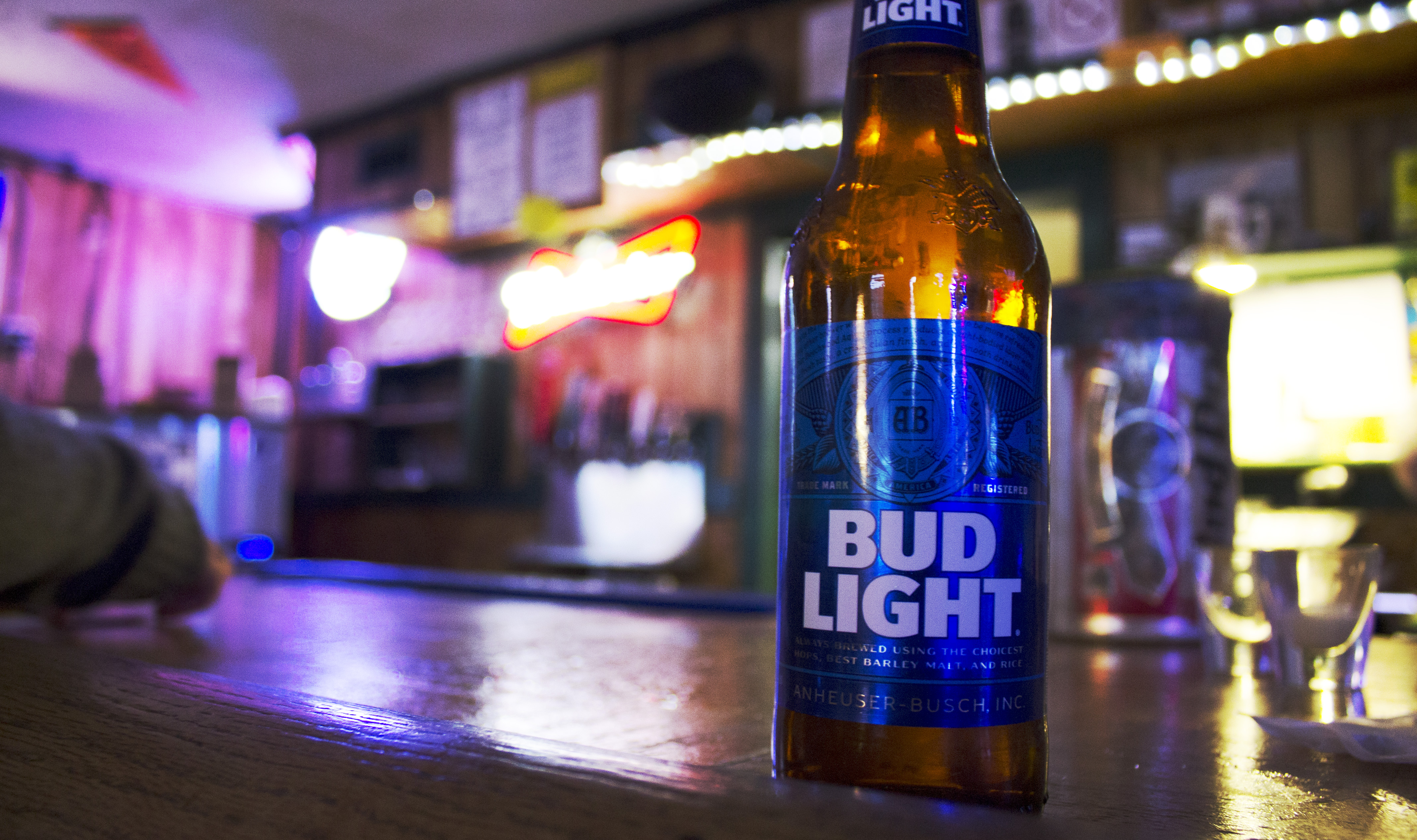The Salt Mine offers many choices of beverages, including one of the main favorites, Bud Light. Image by Lexi Loya.