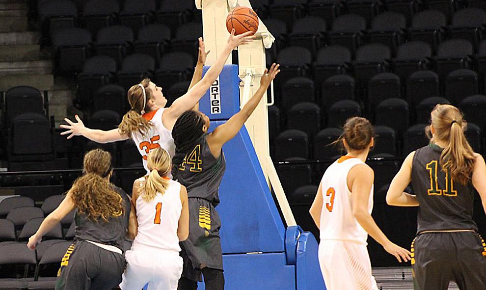 Senior+class+to+lead+women%27s+basketball+team