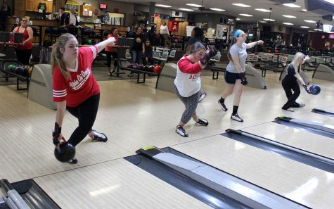 Bowling team starts 2015-16 season