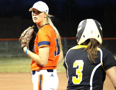 Softball drops pair of home games to Ottawa