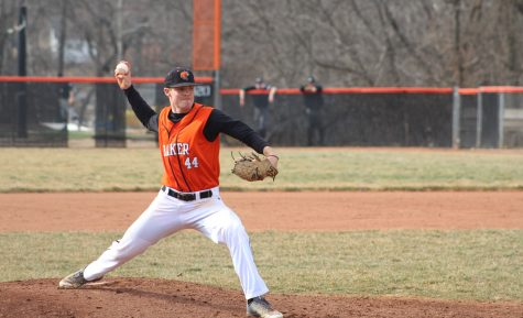 Baseball team goes 1-3 in opening weekend