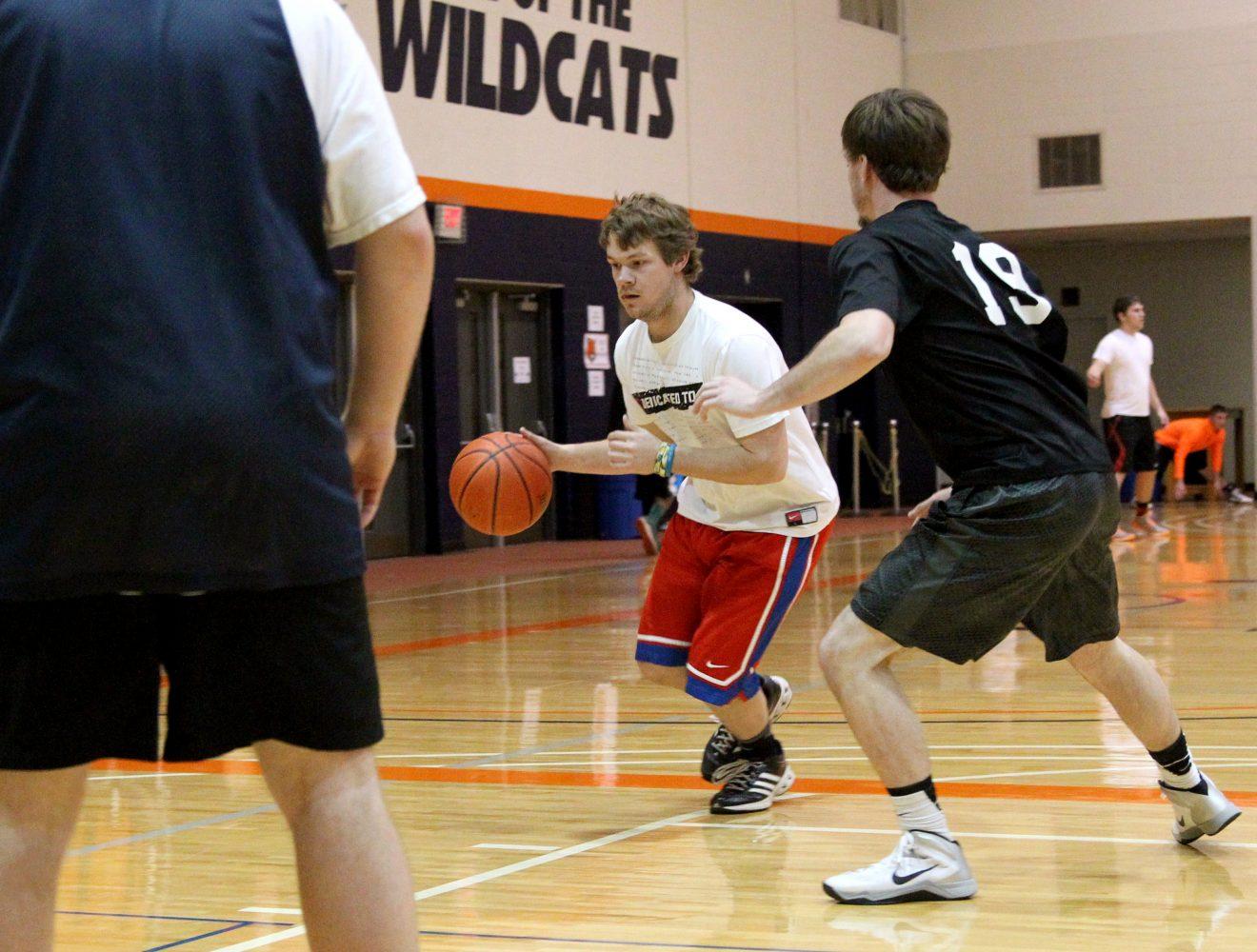 Intramural basketball picks up steam