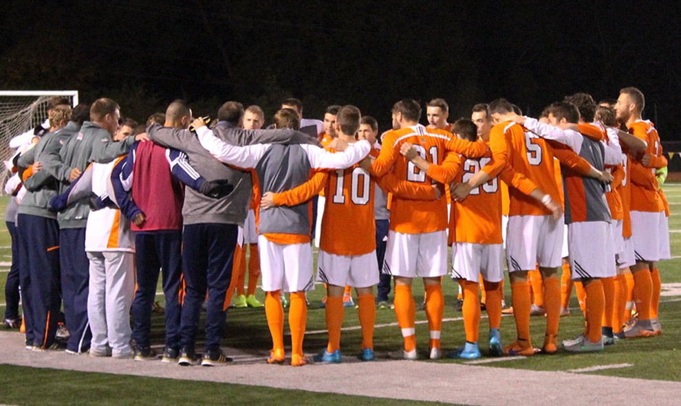 Cats capture Heart title in mens soccer