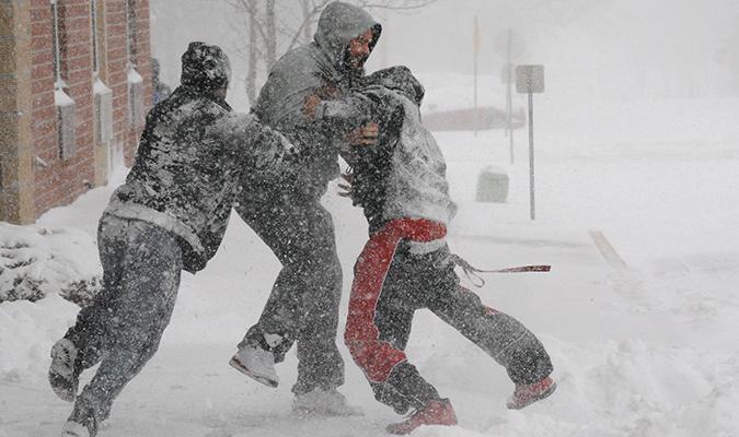 Snow+days+bring+joy+despite+complications