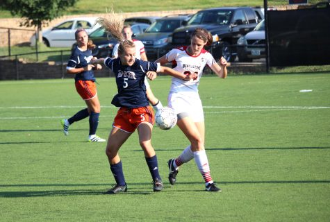Women's soccer falls to Benedictine 3-0