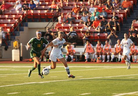 Women's soccer begins new season