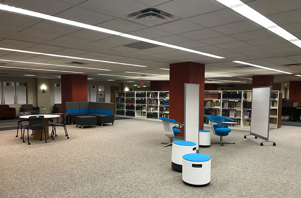 Collins+Library+has+added+new+furniture+additions+to+the+second+floor.+Students+are+encouraged+to+test+the+new+furniture+in+order+to+determine+which+pieces+to+purchase.