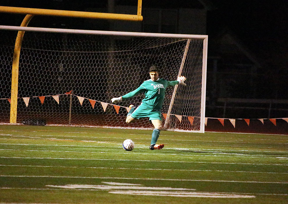 2017+Heart+Freshman+of+the+Year+Alberto+Ciroi+sends+the+ball+out+of+Baker+territory.+Ciroi+earned+the+1-0+shutout+with+seven+saves.