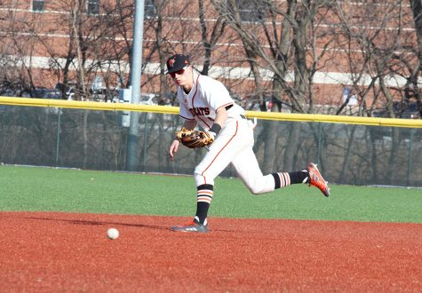 Baseball loses home series against No. 5 CMU