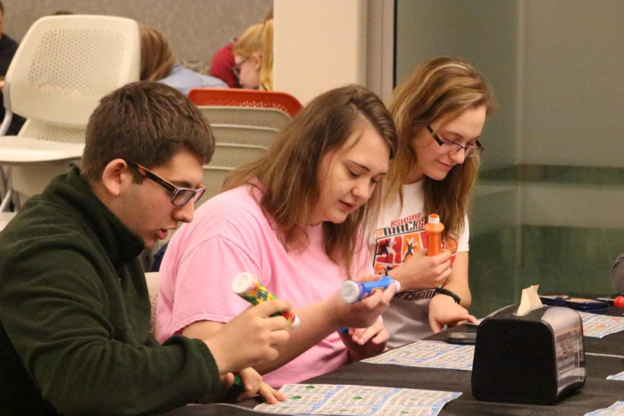 Freshman Dylan Kort and other students participate in Student Activities Council Grocery Bingo on March 2.
