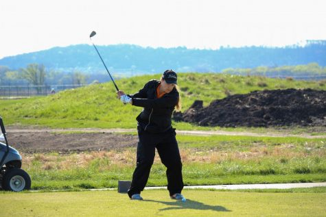 Men's golf finishes sixth in the Heart