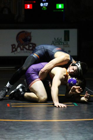 Wrestlers win weekly conference honors