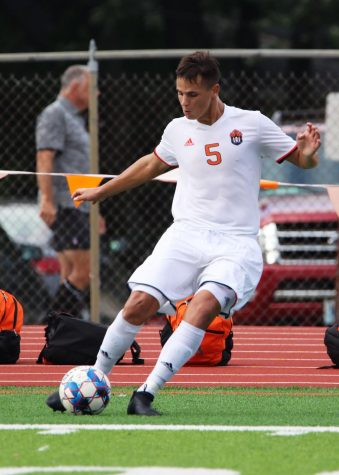 Jacobs leads men's soccer into conference play