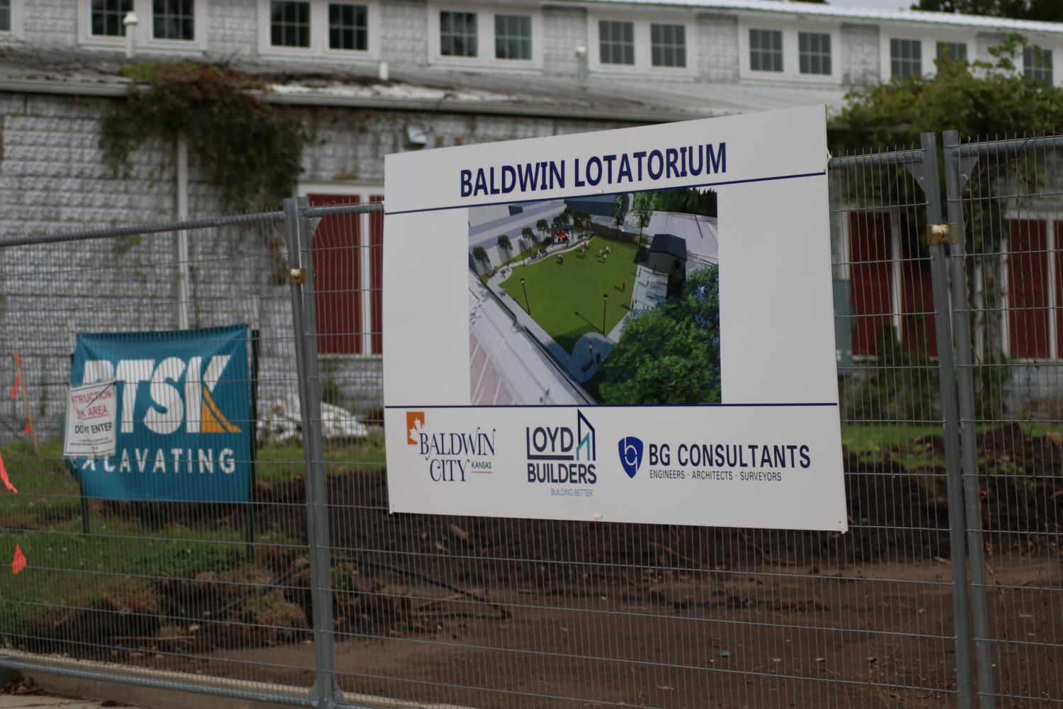 Baldwin City will soon have our very own Lotatorium. The Baldwin City community got to voice their opinions about what they would like to see within the lotatorium. There goal is to have it complete by the end of 2019.