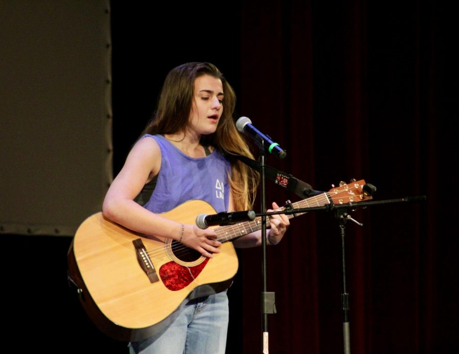 Junior Cameron Roeder singing an original song for the Bakers Got Talent competition for homecoming week. The event was held  on Oct. 1 in Rice Auditorium.