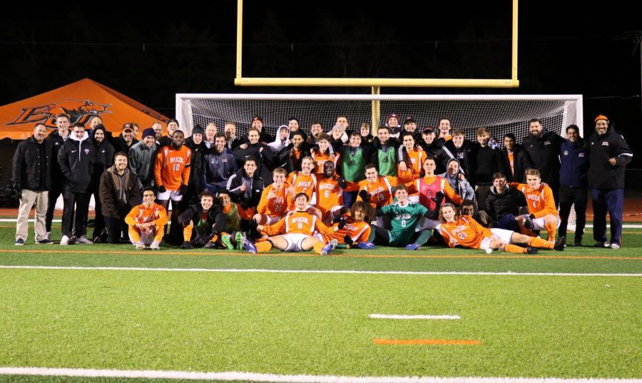 Men's soccer advances to the national tournament's second round