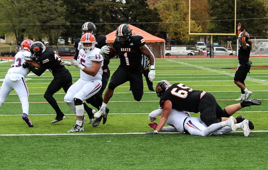 Baker Football defeats Missouri Valley College