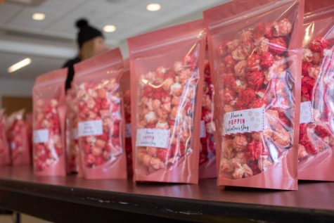 SAC served colorful popcorn to students in the Harter Union in the spirit of Valentine