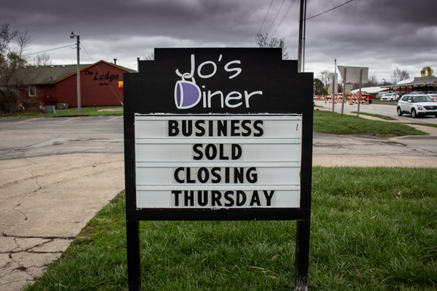 Jo's Diner shows a sign to alert customers of their closing.