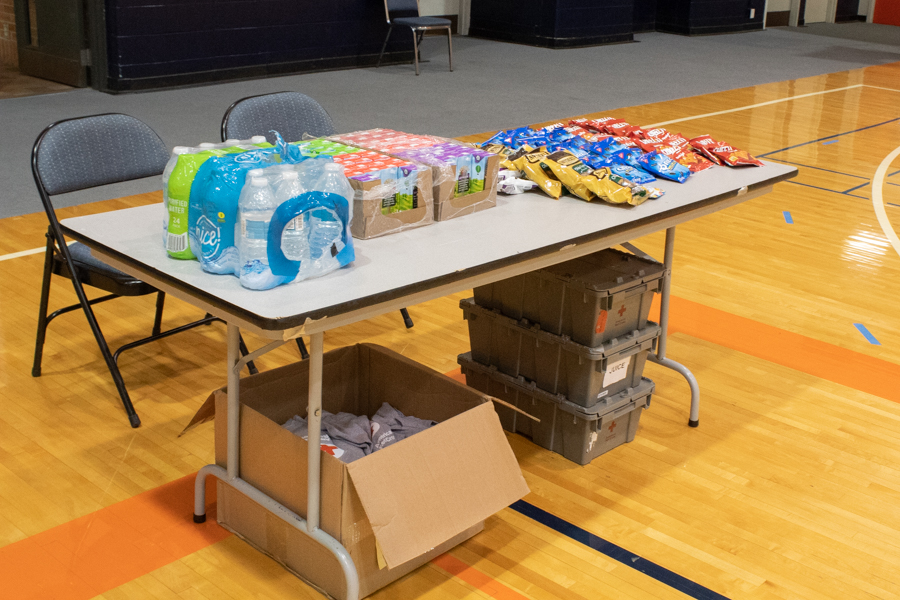 Those donating were offered snacks and drinks to ensure everyone was kept safe and healthy. Participants received t-shirts to show their support as well as a voucher for a free haircut at Sports Clips.