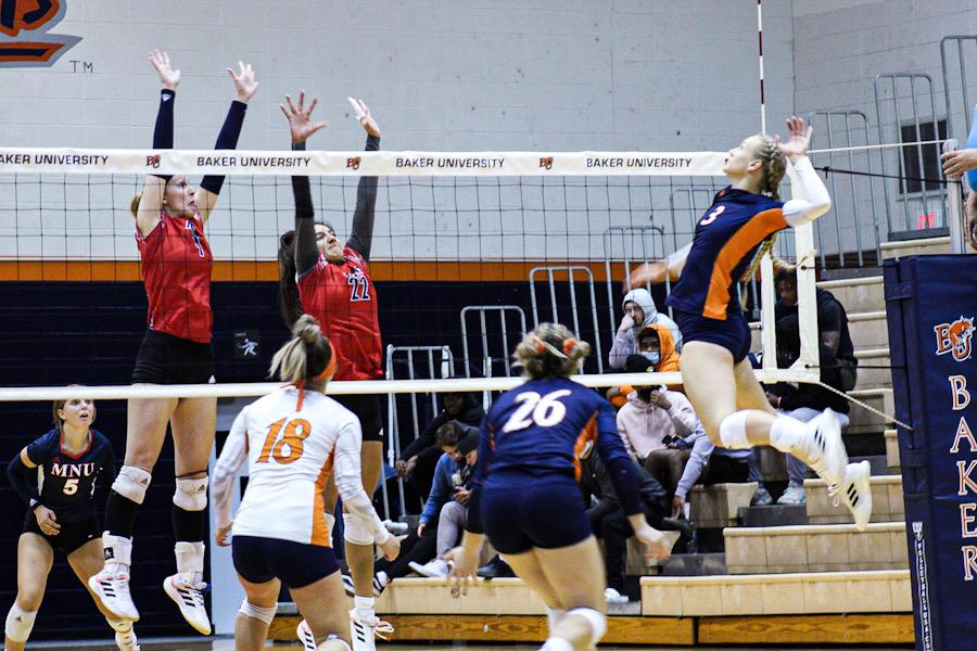 Wildcat Volleyball defeated by MidAmerica Nazarene Pioneers