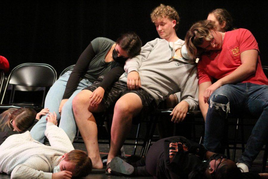 Hypnotist Chuck Milligan comes to Baker