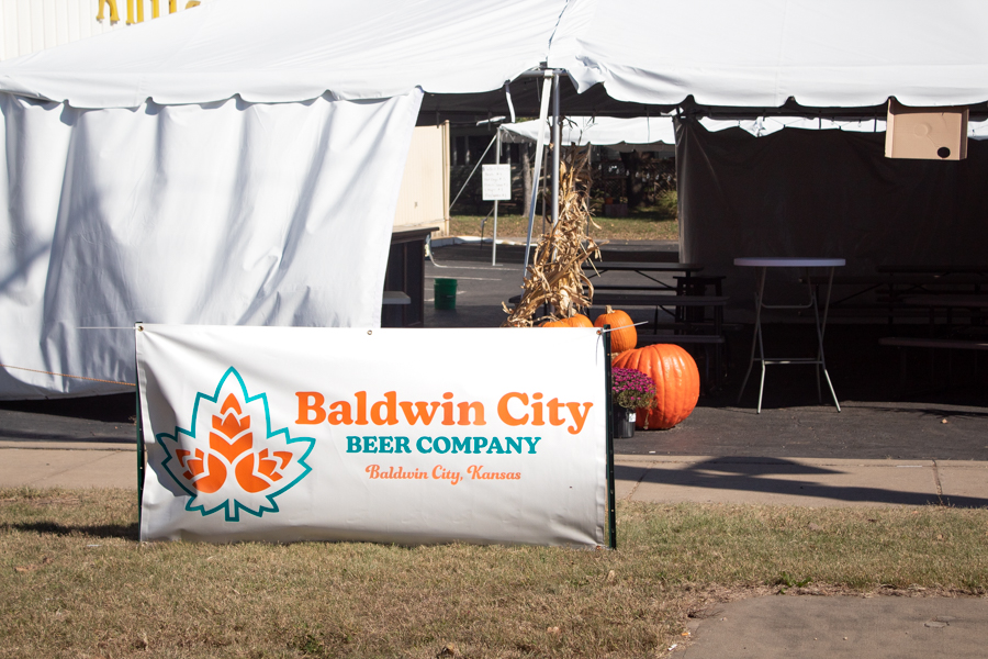 Baldwin City is opening a new bar and barbecue restaurant, Baldwin City Beer Company on the corner of 6th and High St. There is a temporary tent to serve customers until the opening of the store in the spring of 2022, replacing Antiques on the Prairie.